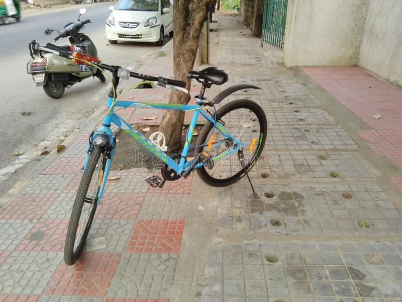 Kross-Fahrrad lizenzfreie stockfotos