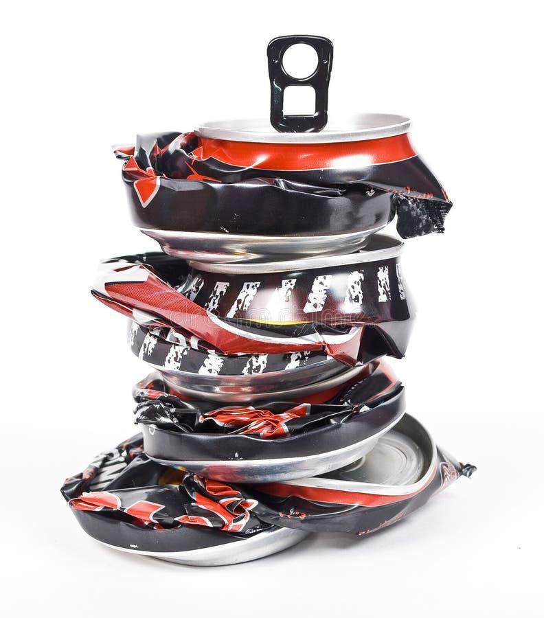 krossad stapel för aluminum cans royaltyfri fotografi