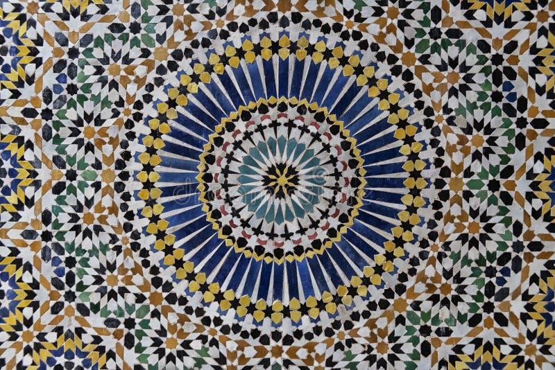 24-krotny wzór gwiazdy w tradycyjnym, islamskim projekcie geometrycznym z wnętrza Kasbah Telouet, Maroko zdjęcie royalty free