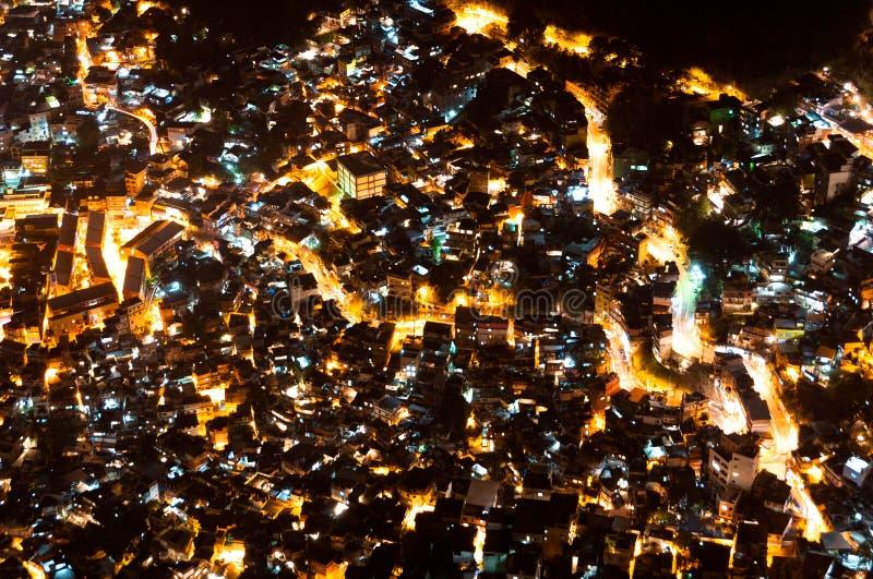 Krottenwijk Rocinha in Rio de Janeiro bij Nacht stock afbeeldingen