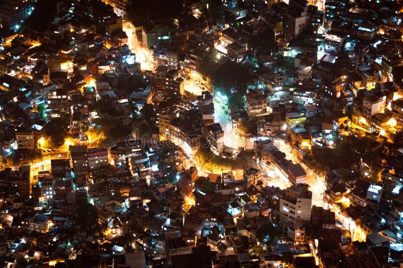 Krottenwijk Rocinha in Rio de Janeiro bij Nacht stock afbeelding