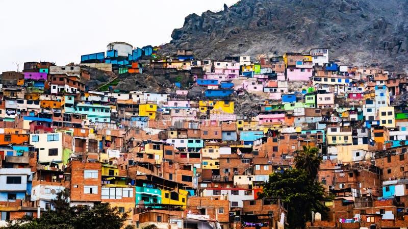 Krottenwijkgebouwen in Lima, Peru royalty-vrije stock foto's