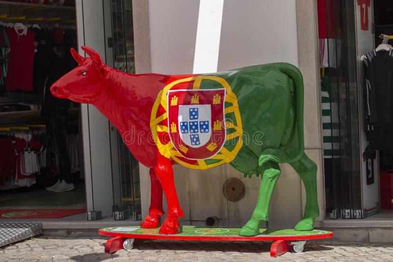 Krowy rzeźba portugalczyk flaga zdjęcie royalty free