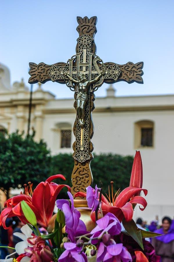 Krucyfiks & kwiaty, Antigua, Gwatemala zdjęcia royalty free