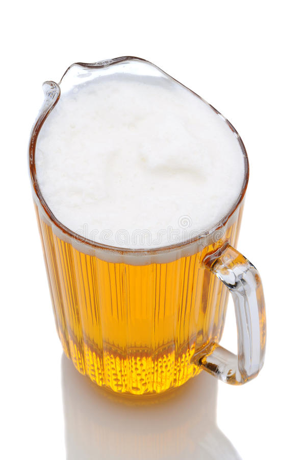Krug des Bier-hohen Winkels lizenzfreie stockfotografie