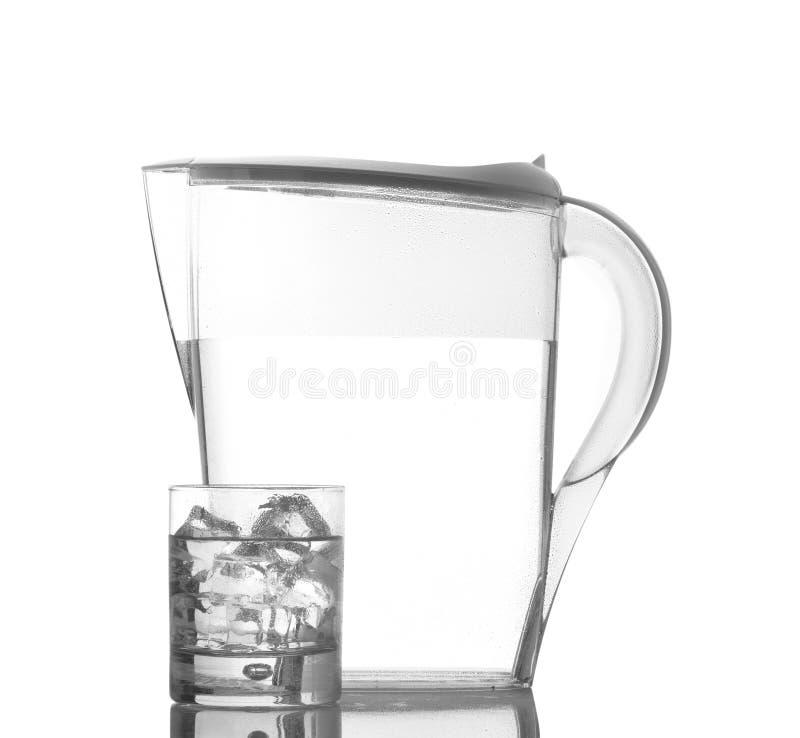 Krug und Glas mit Tröpfchen lizenzfreie stockfotos