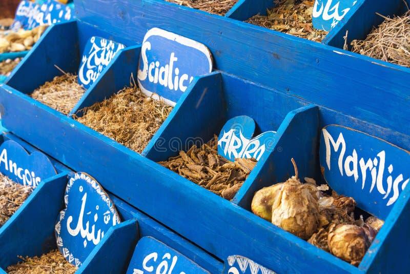 Kruiden en Kruiden voor verkoop in Medina stock foto's