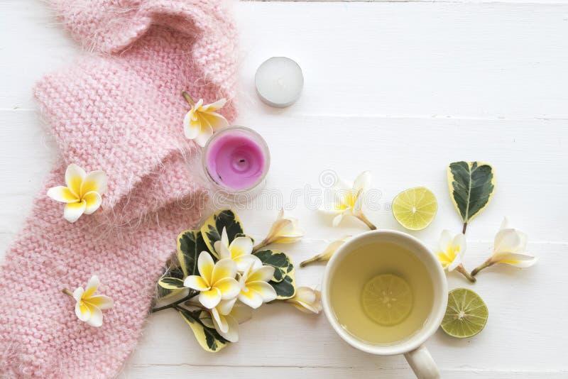 Kruiden gezonde de dranken heralth zorg van de honingscitroen voor keelpijn royalty-vrije stock afbeelding