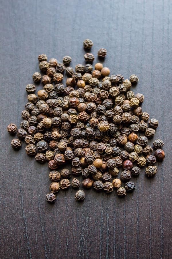 kruiden kruid La Spezia De erwten van de zwarte peper stock afbeelding