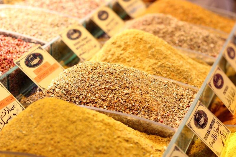Kruiden op de Bazaar van Istanboel, Kruidbazaar royalty-vrije stock afbeeldingen