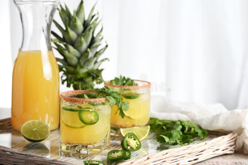 Kruidige ananas Margarita met jalapeno royalty-vrije stock afbeelding