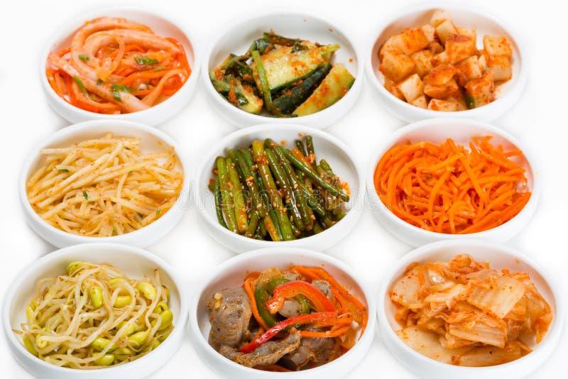 Kruidige salades van traditionele Koreaanse keuken stock foto