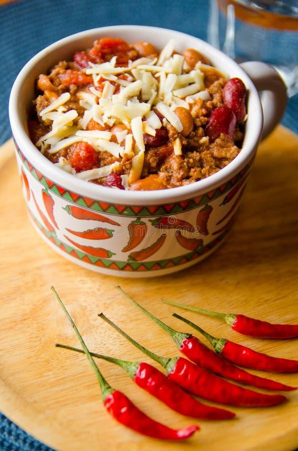 Kruidige Spaanse peper met Bonen, Tomaten en Thaise Peper stock foto's