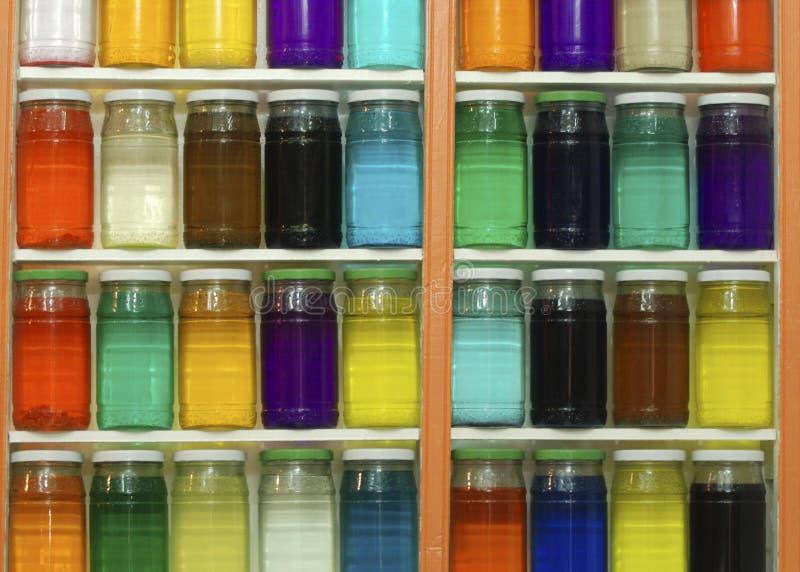 Kruiken van Gekleurde Kleurstoffen royalty-vrije stock afbeeldingen