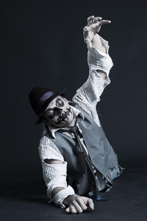 Kruipende zombie royalty-vrije stock afbeeldingen