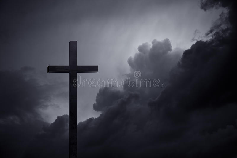 Kruis in dark stock afbeeldingen