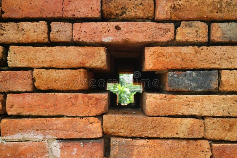 Kruis Gestalte gegeven Gat op de Oude Stadsmuur van Nan, Muang Nan District, Nan Province, Noordelijk Thailand royalty-vrije stock fotografie