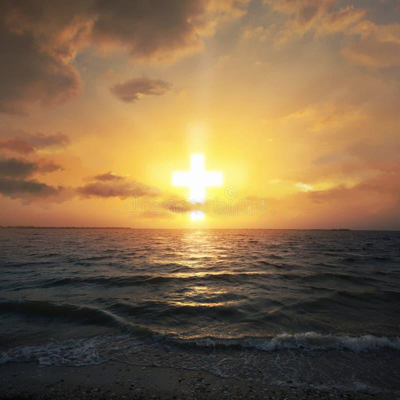 Kruis gestalte gegeven zonsopgang stock fotografie