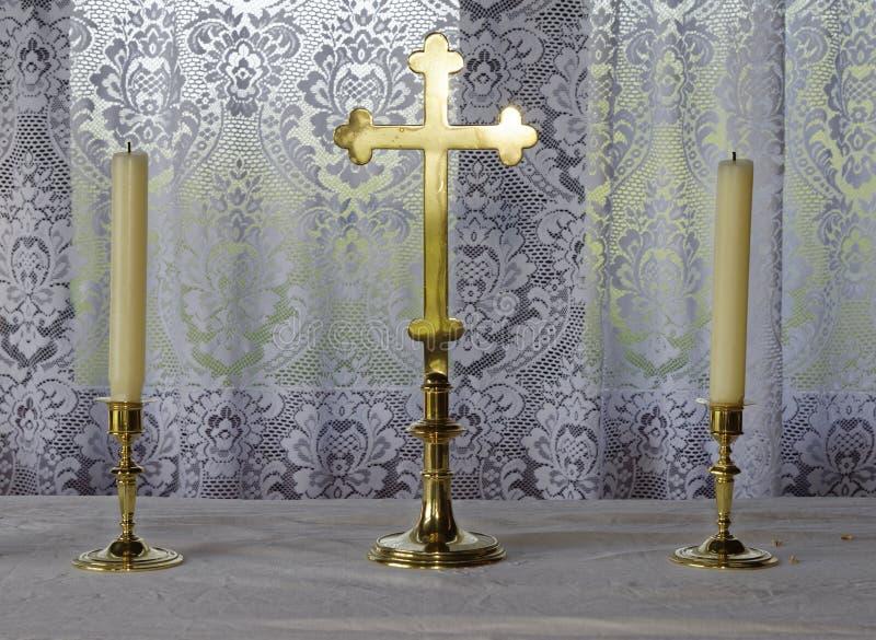 Kruis & Kaarsen royalty-vrije stock afbeelding