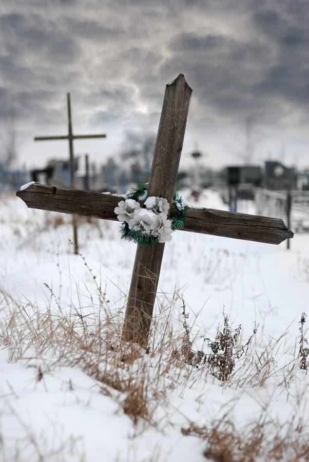 Kruis op een begraafplaats royalty-vrije stock foto