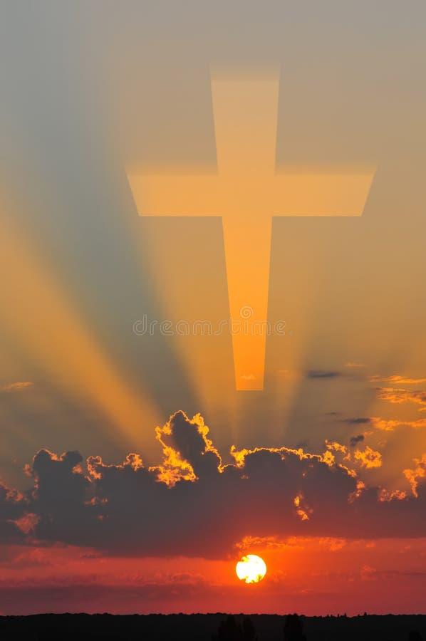 Kruis op hemel stock foto