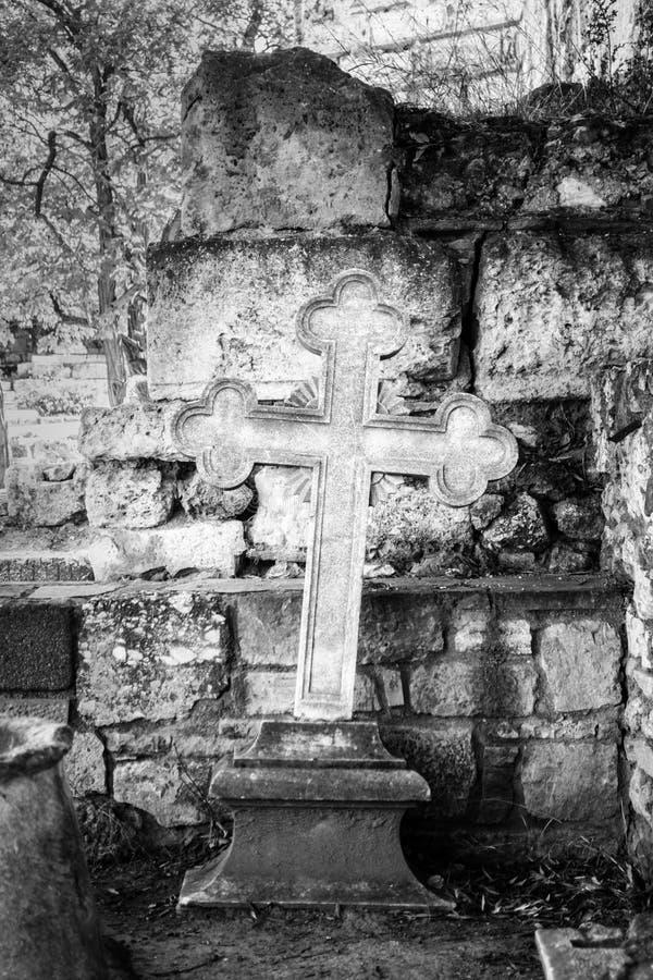 Kruis op plaats van begrafenis royalty-vrije stock fotografie