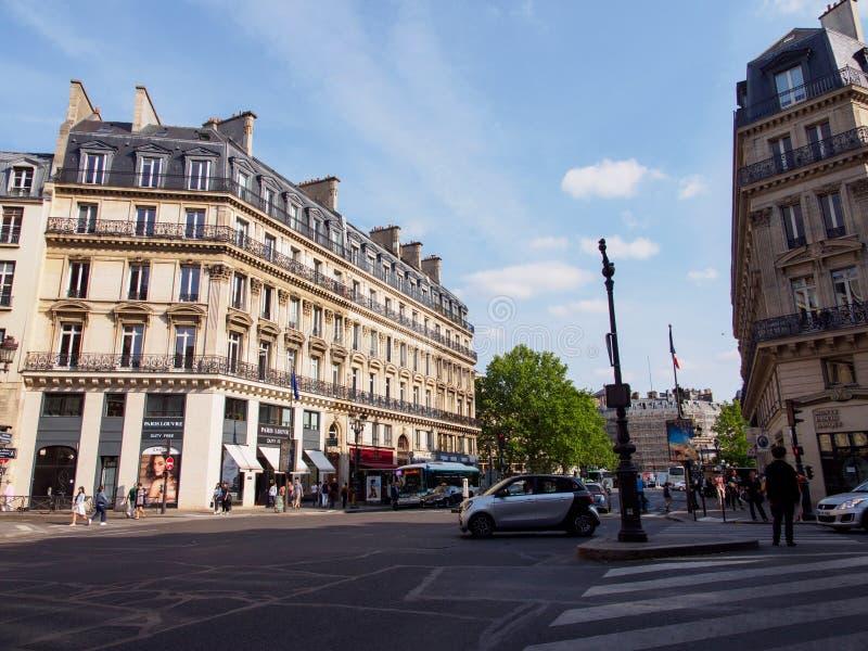 Kruising in Avenue de l 'Opera, Parijs, Frankrijk stock fotografie