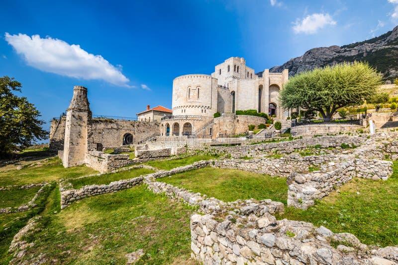 Kruje Castle - Kruje, Albanien stockbild