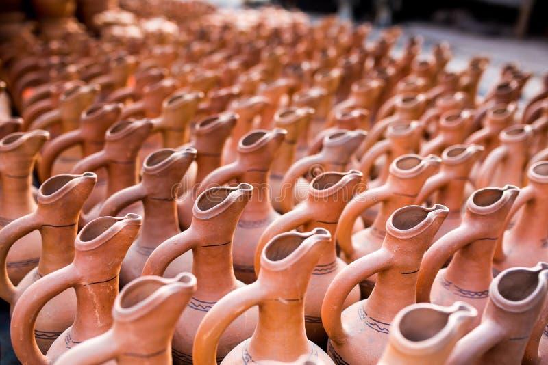 Krukmakeri lergods, clayware, lerkärl royaltyfri fotografi