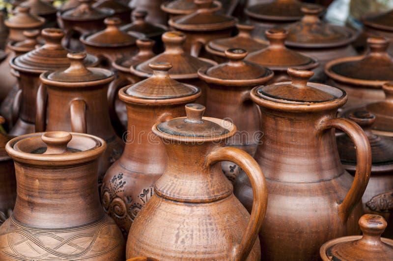 Krukmakeri lergods, clayware, lerkärl, stengods fotografering för bildbyråer