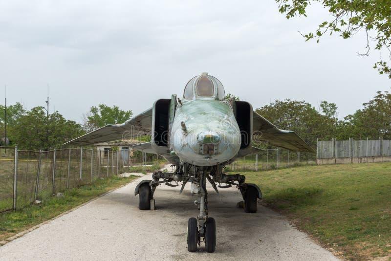 KRUMOVO, PLOVDIV, BULGARIE - 29 AVRIL 2017 : Chasseur-bombardier Mikoyan-Gurevich MiG-23 dans le musée d'aviation près de l'aérop image libre de droits