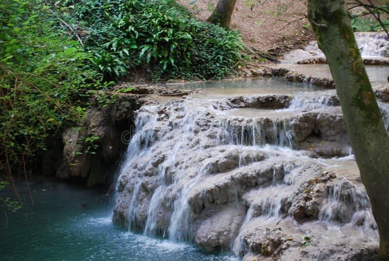 Krushuna 's-vattenfall fotografering för bildbyråer