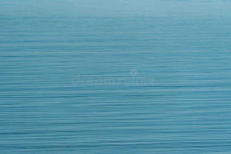 Krusningar för blått vatten i Newburyport, Massachusetts arkivbilder