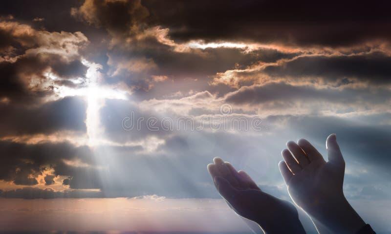 Kruzifix vom Himmel stockfotografie