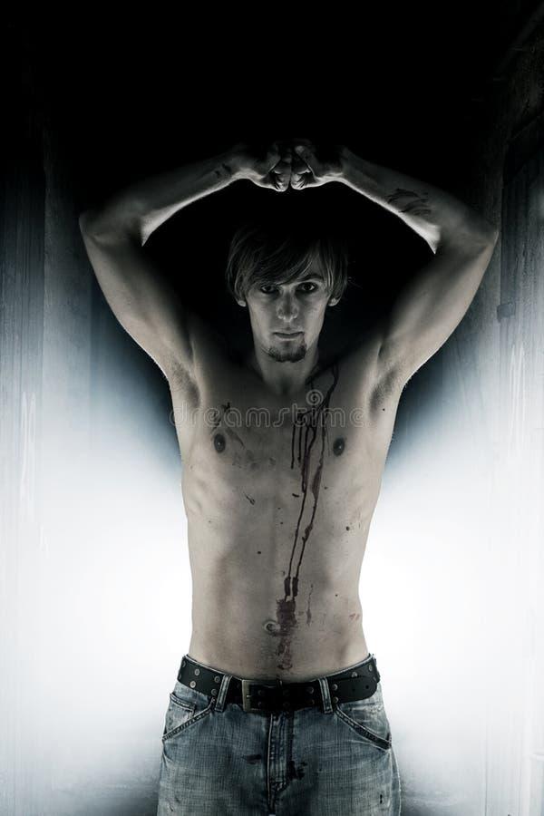krwionośna klatka piersiowa jego męski wampir obraz stock