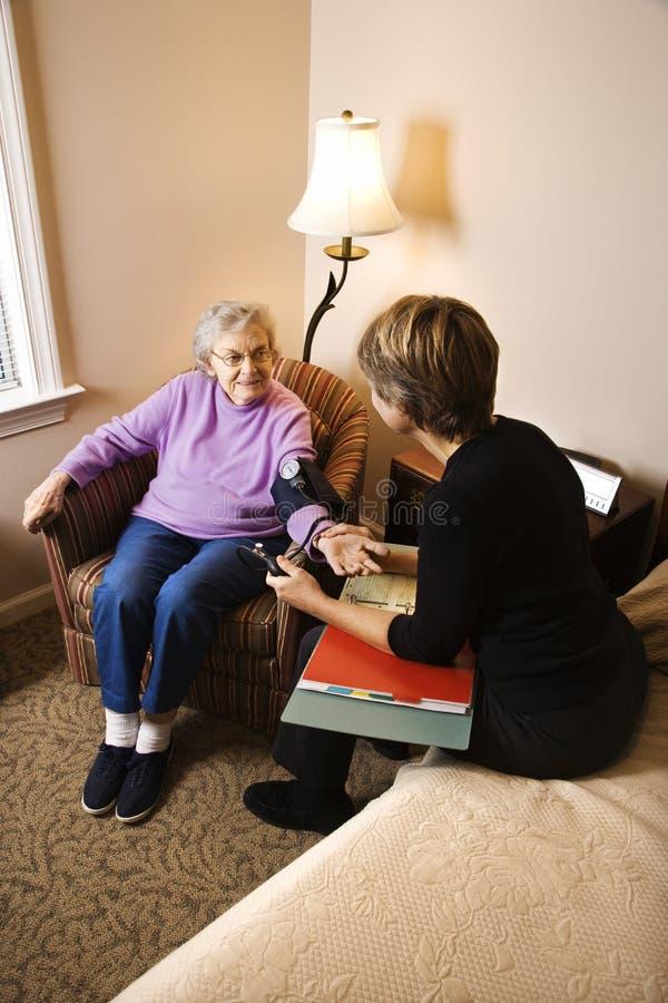 Krwionośne Starsze Osoby Ma Nacisk Brać Kobiety Obrazy Stock