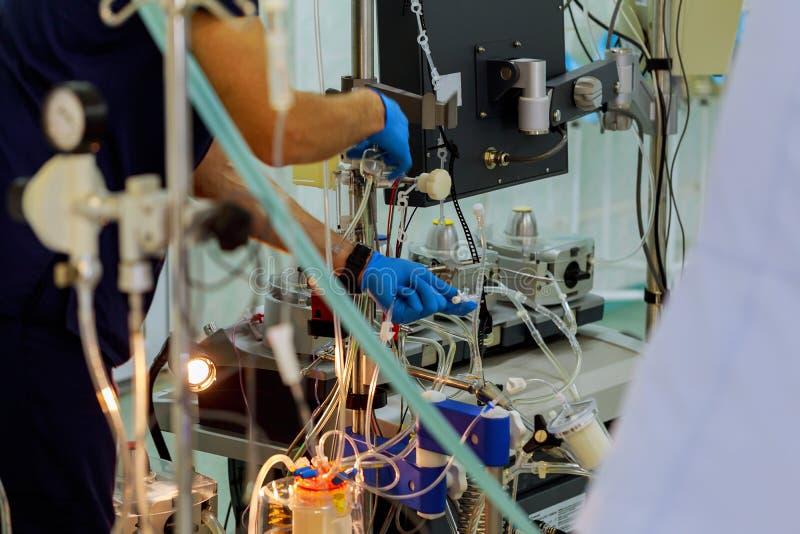 Krwionośny przetaczanie w ICU fotografia royalty free