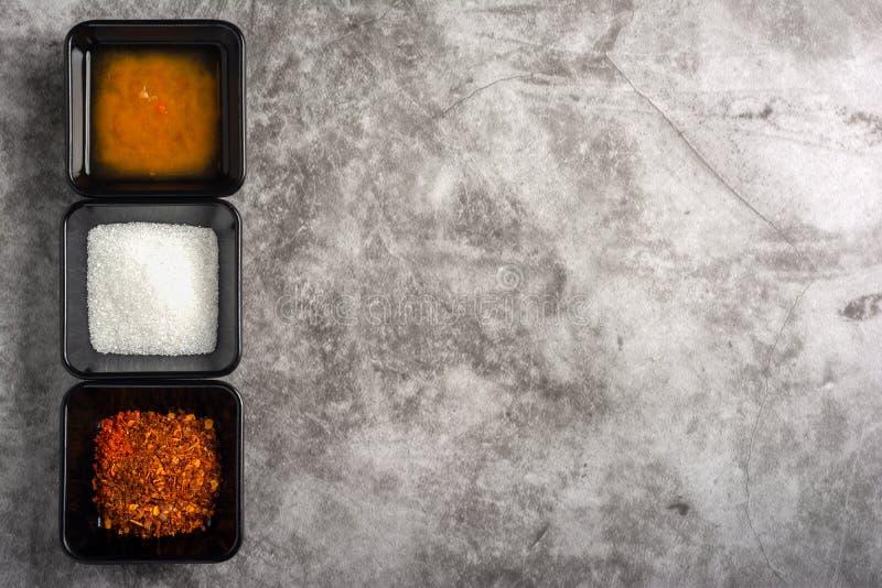 Krydda uppsättningen för asiatisk mat arkivfoto