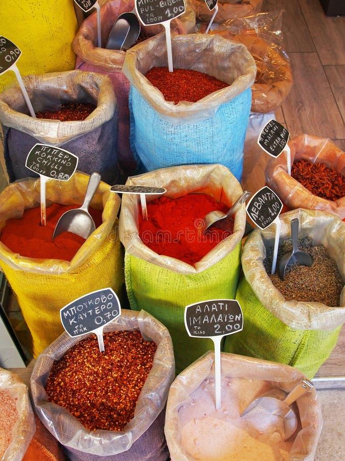 Kryddar till salu, Atenmarknader royaltyfria bilder