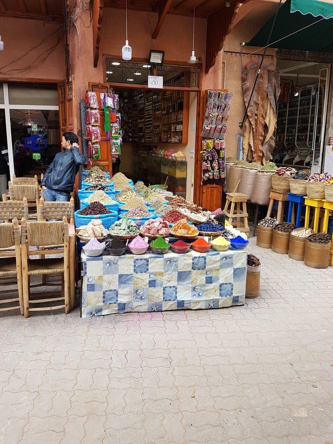 Kryddat upp, Marrakesh royaltyfria bilder