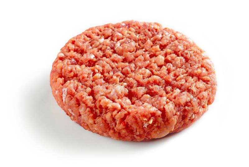 Kryddigt rått hamburgarekött royaltyfri fotografi