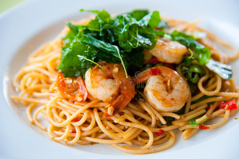 kryddigt smakligt för varm spagetti royaltyfria bilder