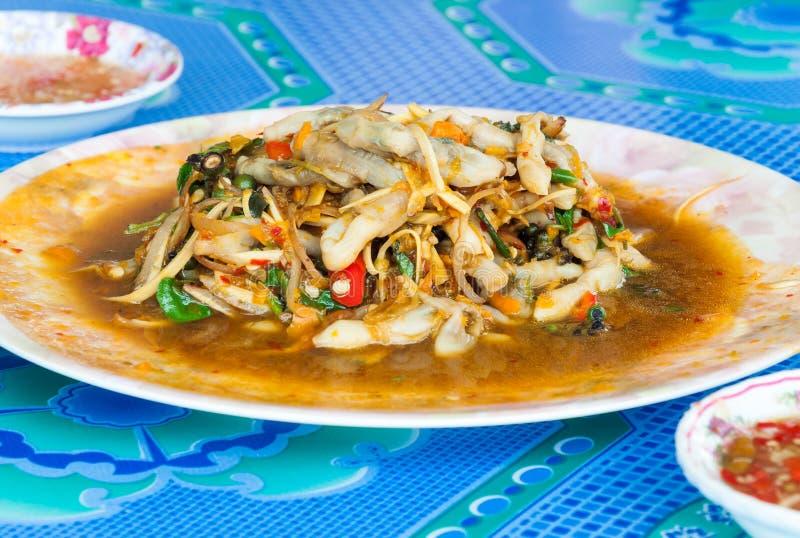Kryddigt stekt thailändskt arkivbilder