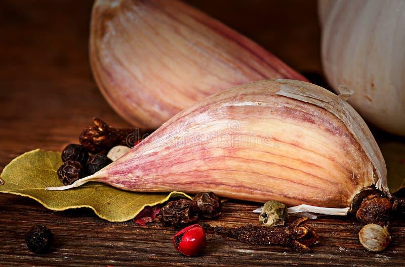 Kryddnejlika av kryddnejlikor för vitlöklagerbladpeppar royaltyfri fotografi