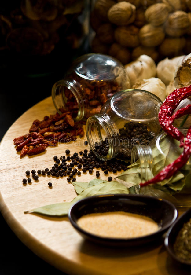 Kryddor och örter fotografering för bildbyråer