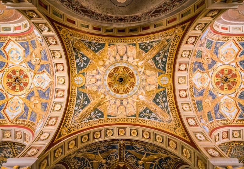 Kryptan av Santa Cecilia i den Trastevere kyrkan i Rome, Italien royaltyfria bilder