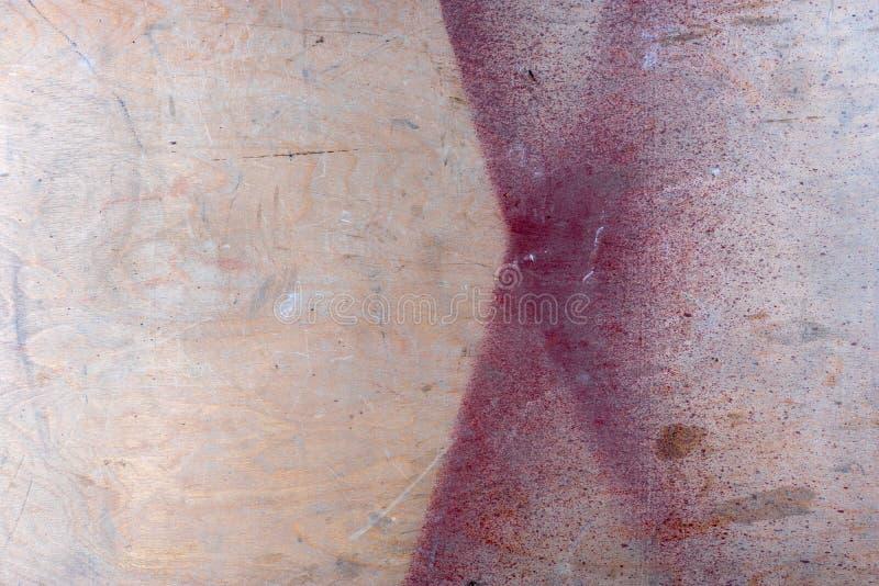 Kryssfanertexturbakgrund Träbräde, tabell, yttersida med röd målarfärg royaltyfri bild