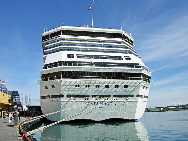 Kryssning sänder Costa Magica i Stavanger (Norge) arkivfoton