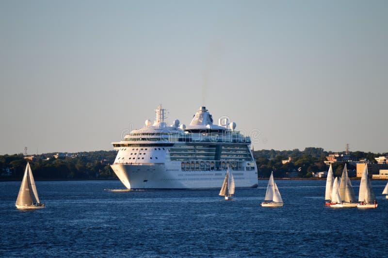 Kryssningskepp, Charlottetown hamn, prins Edward Island royaltyfri fotografi