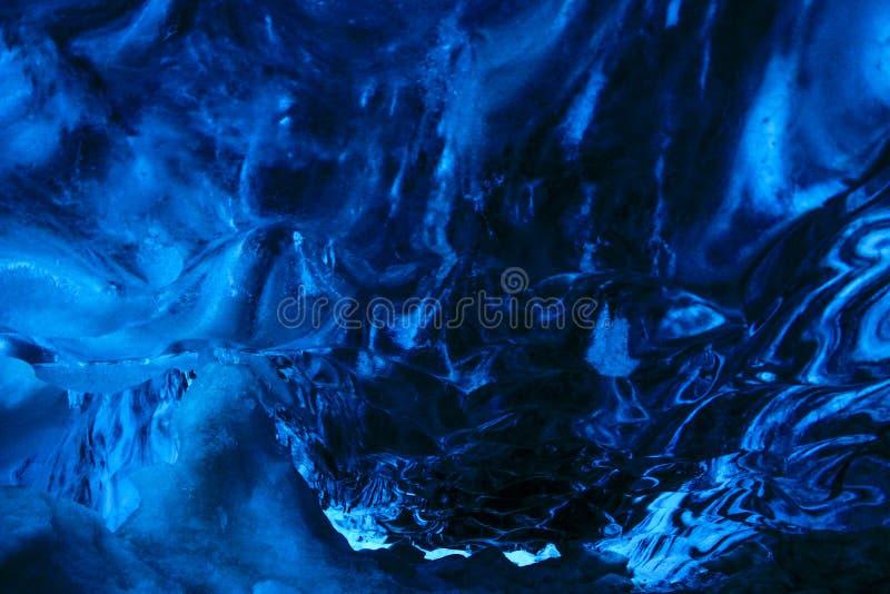 Krystaliczna błękitna lodowa jama obrazy royalty free